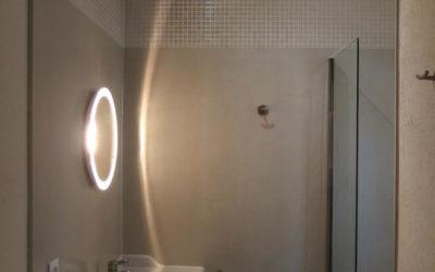 Salle de bain Béton ciré en gris nacré