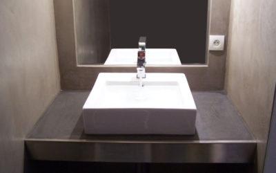 Salle de bain Béton ciré + bac inox